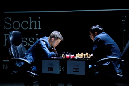 Viswanathan Anand vs Magnus Carlsen 2014(photo from: https://chess24.com)